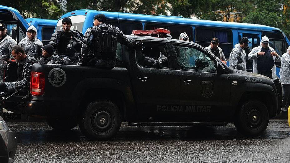 Policiais na sede da Prefeitura do Rio de Janeiro durante a visita do papa Francisco