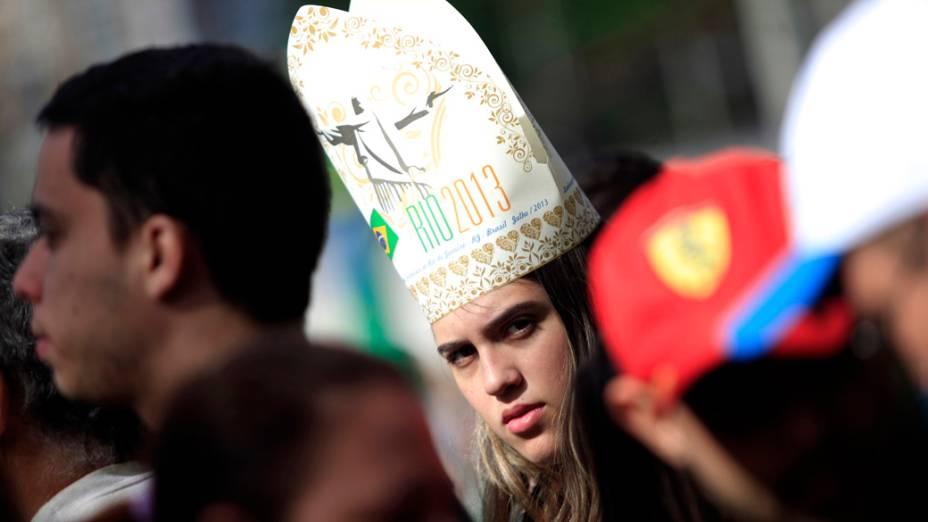Fiel espera papa Francisco no parque Quinta da Boa Vista, no Rio de Janeiro