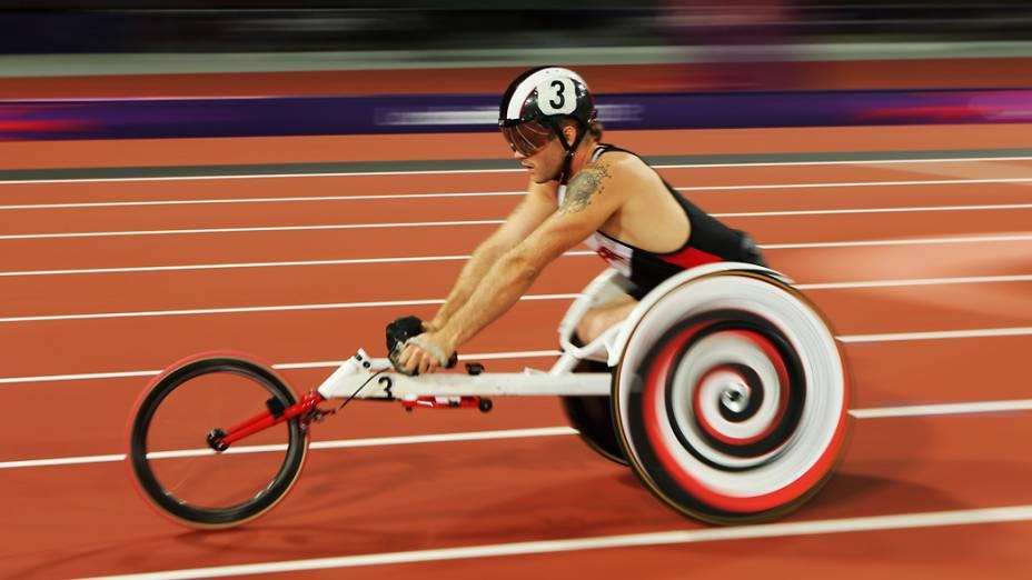 John Cassidy do Canadá compete na final dos 1500m categoria T54 nos Jogos Paralímpicos de Londres 2012