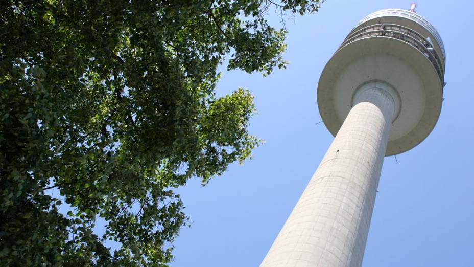 A torre olímpica de Munique, ponto mais alto do parque construído para os Jogos de 1972, marcados pelo atentado cometido pelo grupo Setembro Negro