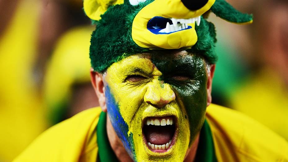 Torcida no estádio do Maracanã durante final da Copa das Confederações entre Brasil e Espanha, no Rio de Janeiro