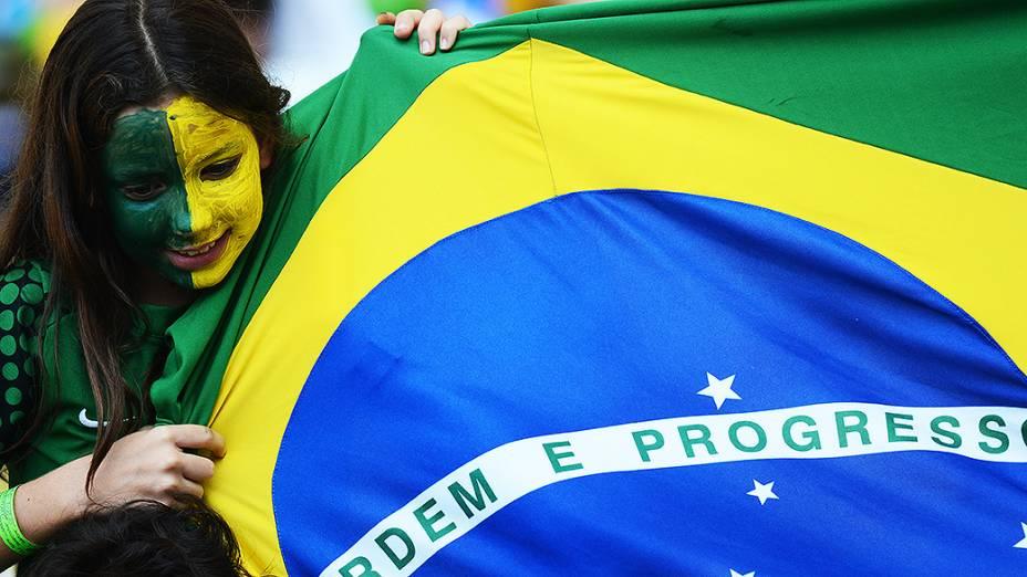 Torcida na partida entre Brasil e Inglaterra, o primeiro amistoso para a Copa das Conferações