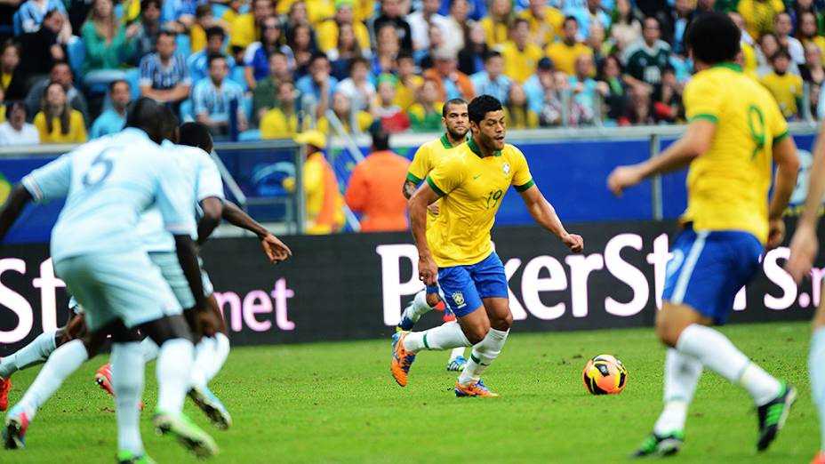 Hulk durante jogo do Brasil contra França na Arena do Grêmio em Porto Alegre