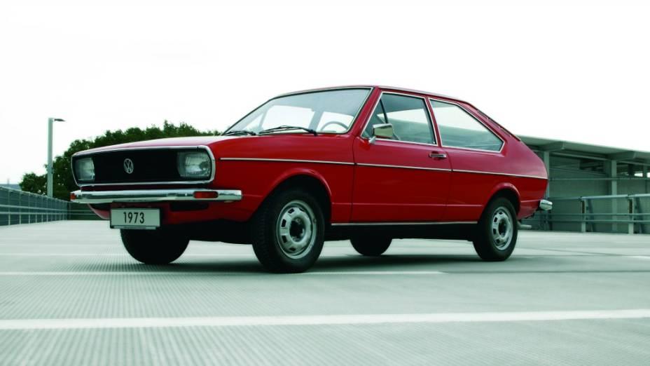 O primeiro Passat, lançado em 1973, na Alemanha, tem design de Giorgetto Giugiaro, e vendeu 2,5 milhões de unidades