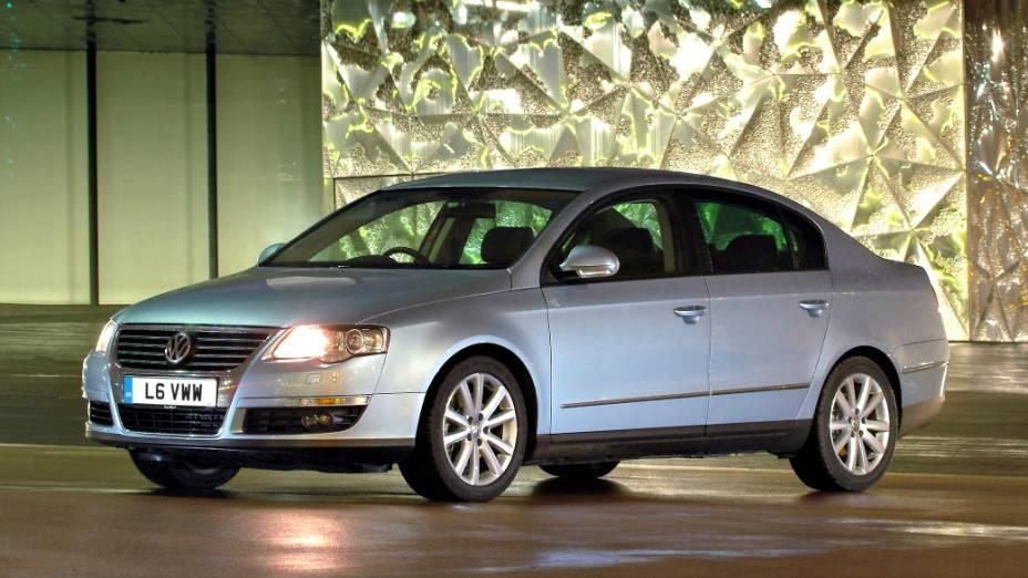 A sexta geração surgiu em 2006 e vinha equipada com câmbio DSG, de dupla embreagem, além de motores mais econômicos