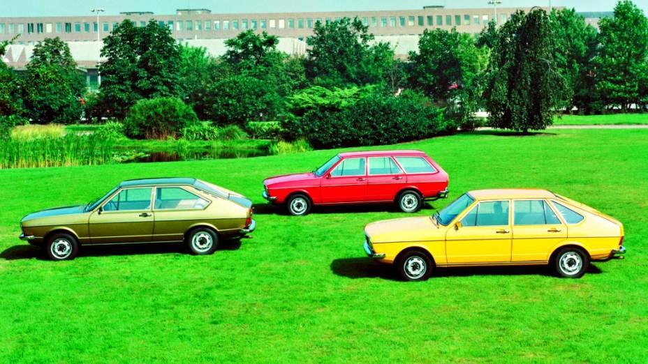 As três versões do Passat de primeira geração, com a station wagon Variant em vermelho