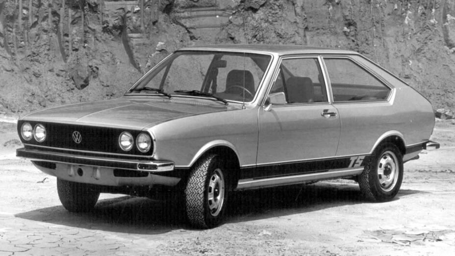 A versão TS (Touring Sport) do Passat, de 1976, vinha com motor 1.600 cm³, de 96 cv, fazia o 0 a 100 km/h em 14 s