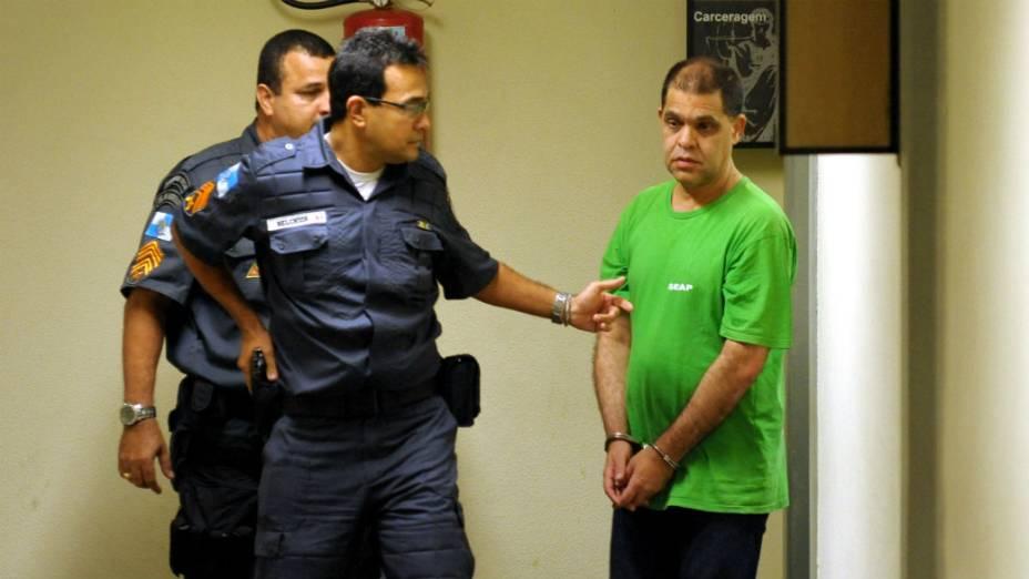 O pastor Marcos Pereira, preso por estupro, chega para audiência no Fórum do Rio de Janeiro