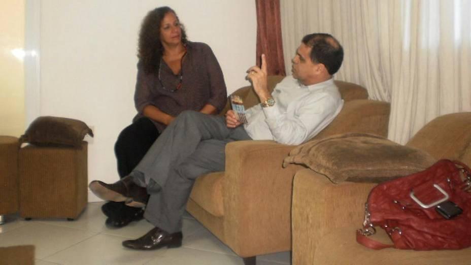 Pastor Marcos Pereira com a deputada federal Jandira Feghali (PCdoB)