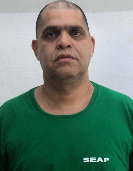 Pastor Marcos Pereira com uniforme da Secretaria de Estado de Administração Penitenciária (Seap)