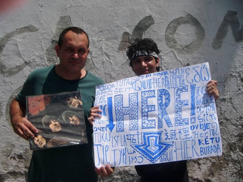 Júlio César de Araújo Menezes Filho (Esq.) Trouxe o pai direto de Sergipe para assistir ao show