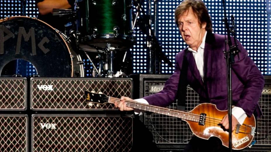 Paul McCartney durante o segundo show em São Paulo – 22/11/2010