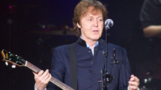 Cantor garantiu no seu repertório sucessos dos Beatles para agradar os fãs