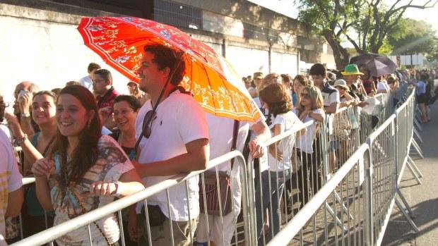 A fila de fãs em frente do Estádio do Arruda começou cedo. Todos queriam o melhor lugar para ver o show do ex-Beatle