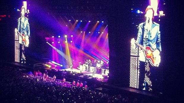 Paul McCartney abre show em Florianópolis com <em>The Magical Mystery Tour</em>