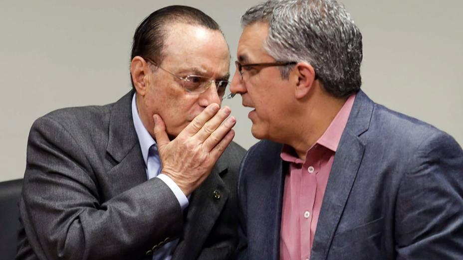 Maluf e Padilha conversam na cerimônia em que o deputado anunciou apoio do PP à candidatura do petista em SP