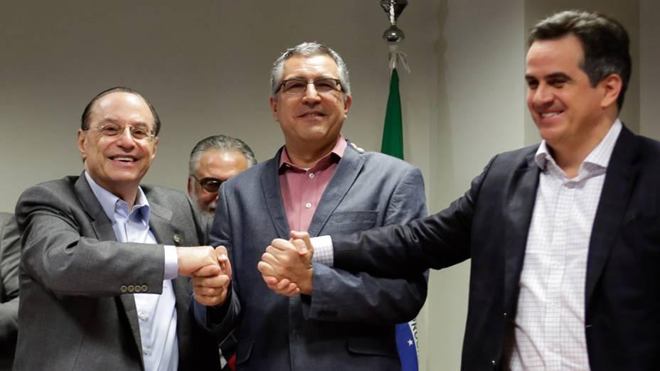 Padilha, pré-candidato ao governo de SP pelo PT, recebe apoio do PP de Paulo Maluf em ato na Assembleia Legislativa