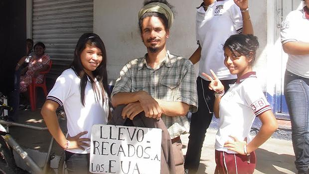 O artista plástico Paulo Nazareth viajou por sete meses pela América Latina