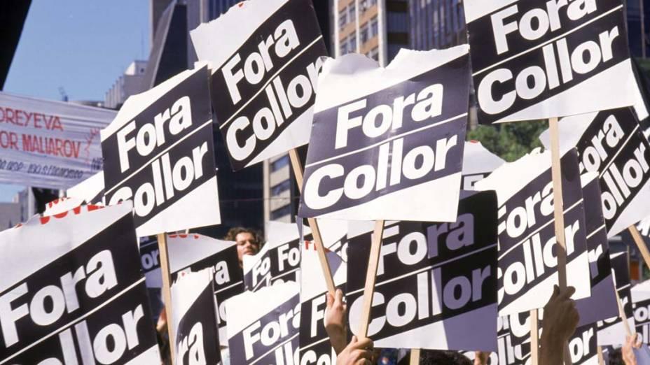 Passeata de estudantes pedindo a saída do Presidente Fernando Collor, na avenida Paulista