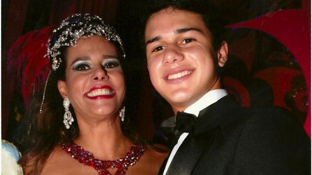 Narcisa Tamborindeguy com Pedro de Oliveira, filho de Boninho do segundo casamento