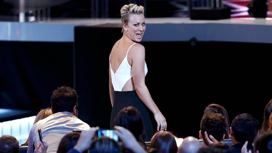 Kaley Cuoco-Sweeting durante a premiação do Peoples Choice Awards 2015, no Nokia Theatre, em Los Angeles