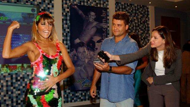 Deborah Secco, aliás, é especialista no tipo piriguete: em 2003, ela fez sucesso como a Darlene de Celebridade, que queria ser famosa a qualquer custo;
