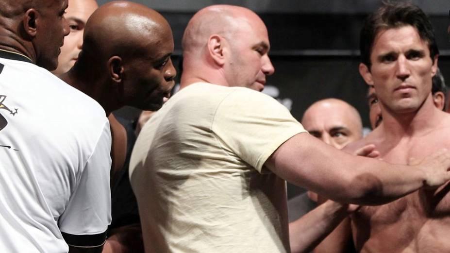 A pesagem do UFC 148, com Anderson Silva e Chael Sonnen, em Las Vegas
