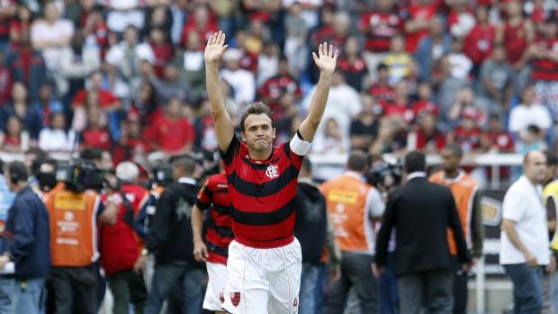 Partida entre Flamengo e Corinthians, válida pelo Campeonato Brasileiro, marcou a despedida de Petkovic