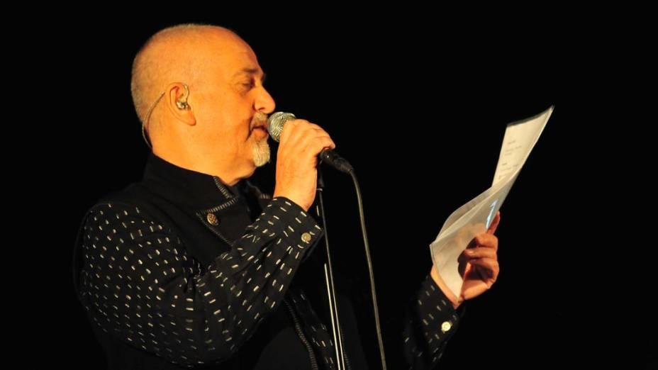 Peter Gabriel & The New Blood Orchestra durante show no palco Energia & Consciência, no segundo dia do festival SWU em Paulínia, em 13/11/2011