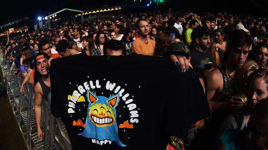 Apresentação do cantor Pharrell Williams, no segundo dia do Festival Lollapalooza 2015, no Autódromo de Interlagos, em São Paulo