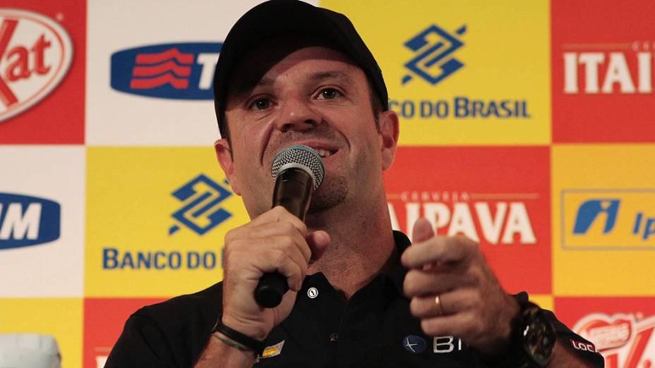 Piloto Rubens Barrichello durante entrevista coletiva da corrida Indy 300 em São Paulo