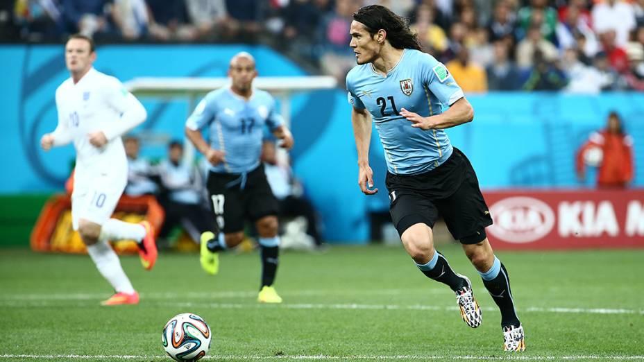 O uruguaio Edinson Cavani durante o jogo contra a Inglaterra no Itaquerão, em São Paulo