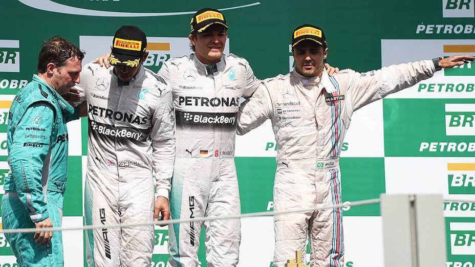 Mercedes conquista mais uma dobradinha na temporada: vitória de Nico Rosberg e segundo lugar de Lewis Hamilton, o brasileiro Felipe Massa da Williams fechou o pódio