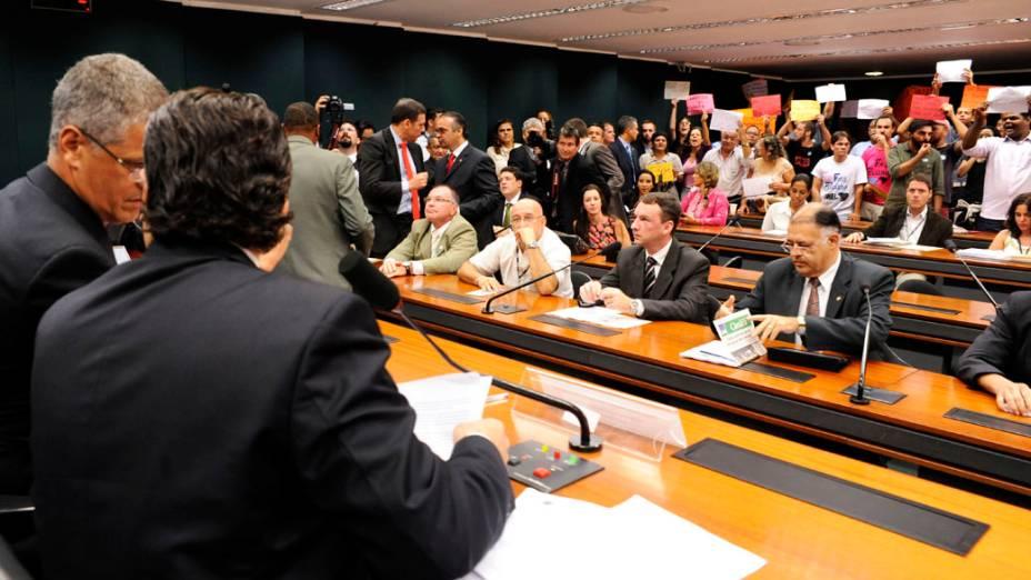Manifestantes protestam contra a permanência do Deputado Pastor Marco Feliciano, na presidência da Comissão de Direitos Humanos
