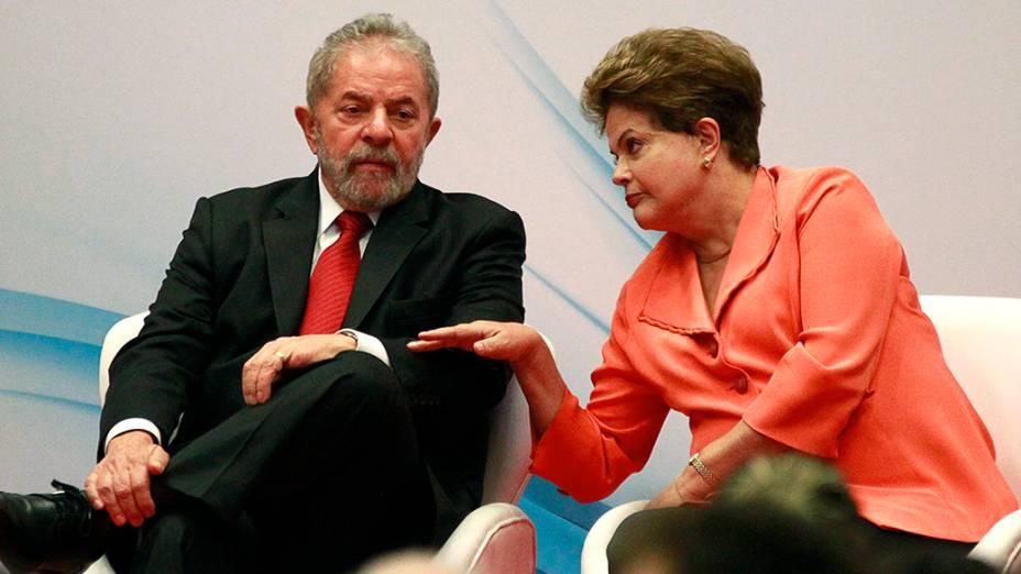A presidente Dilma Rousseff e Lula durante o lançamento do site do ex-presidente - 12/08/2014