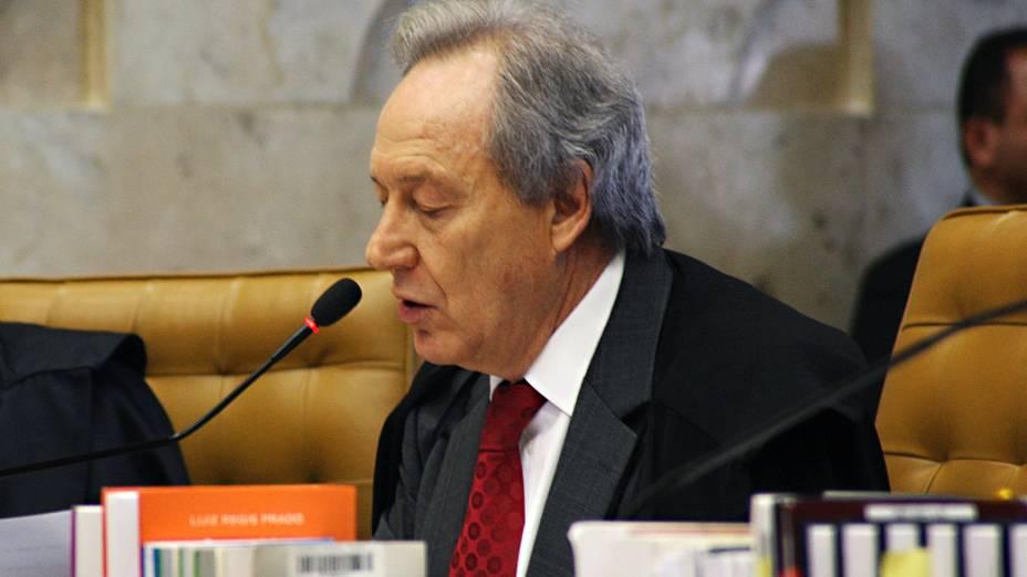 O ministro do Supremo Tribunal Federal (STF) Ricardo Lewandowski, durante análise dos recursos apresentados pelas defesas dos 25 réus condenados pela corte, os chamados embargos, nesta quinta-feira (12)
