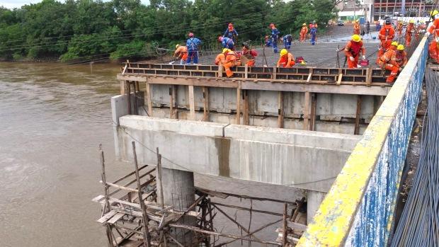 Ponte Julio Muller: mais um trecho em obras do VLT de Cuiabá (MT)