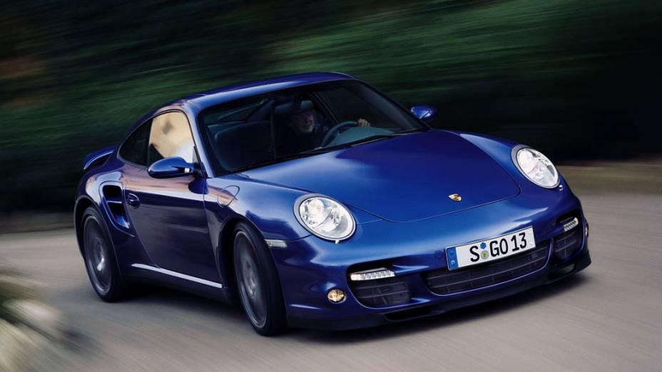Porsche 911: lançado em 1964, está em sua sétima geração. Mas o escolhido é um modelo Carrera 911 RS Lightweight 1973, um carro de corrida com cara de passeio. Foram feitos apenas 1.636 unidades com motor 2.7 litros e 240 cavalos. Cotado em 400.000 dólares.