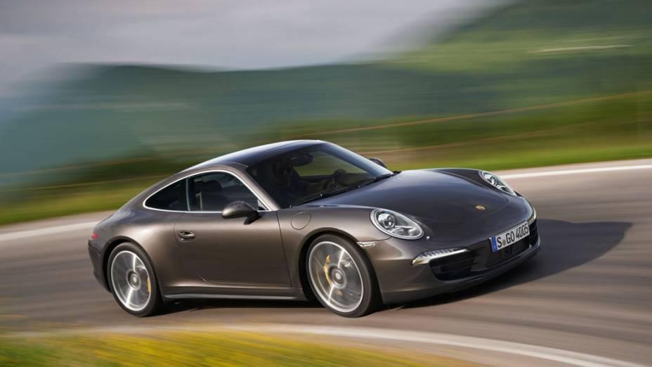 Entre as atrações da Porsche no Salão está o novo 911 Carrera 4S, que também está sendo apresentado em Paris