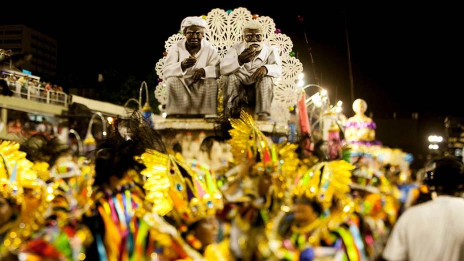 """Portela apresentou o enredo """"Madureira...Onde meu coração se deixou levar"""""""