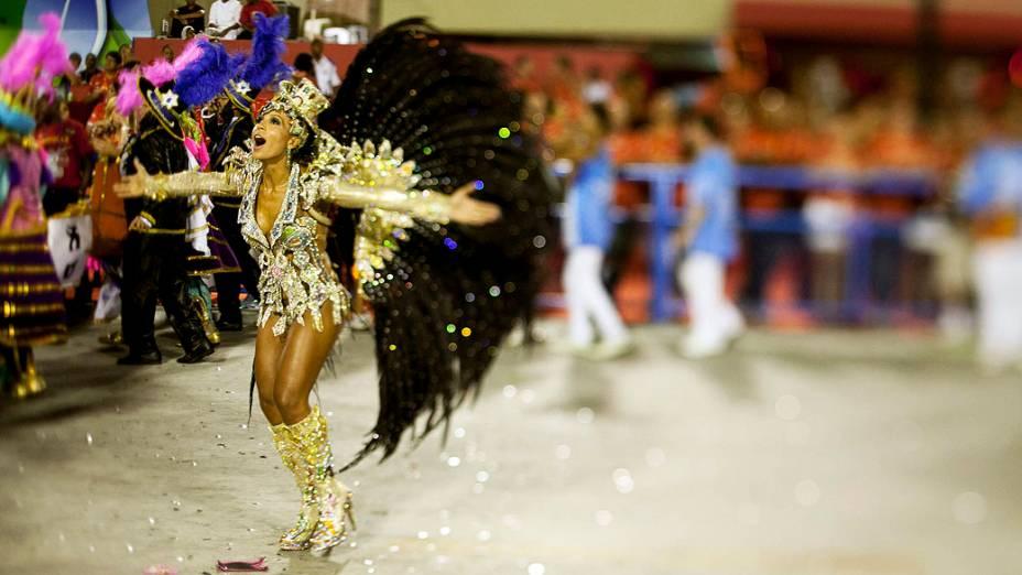 Destaque da escola de samba Portela, no primeiro dia de desfile na Marquês de Sapucaí