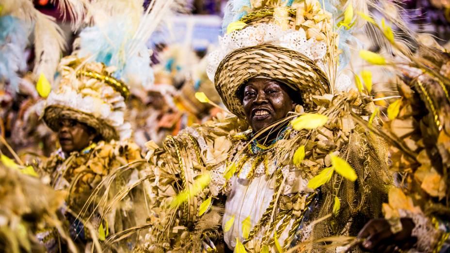 Desfile da escola de samba Portela pelo grupo especial, na Marquês de Sapucaí no Rio de Janeiro (RJ), na madrugada desta terça-feira (04)