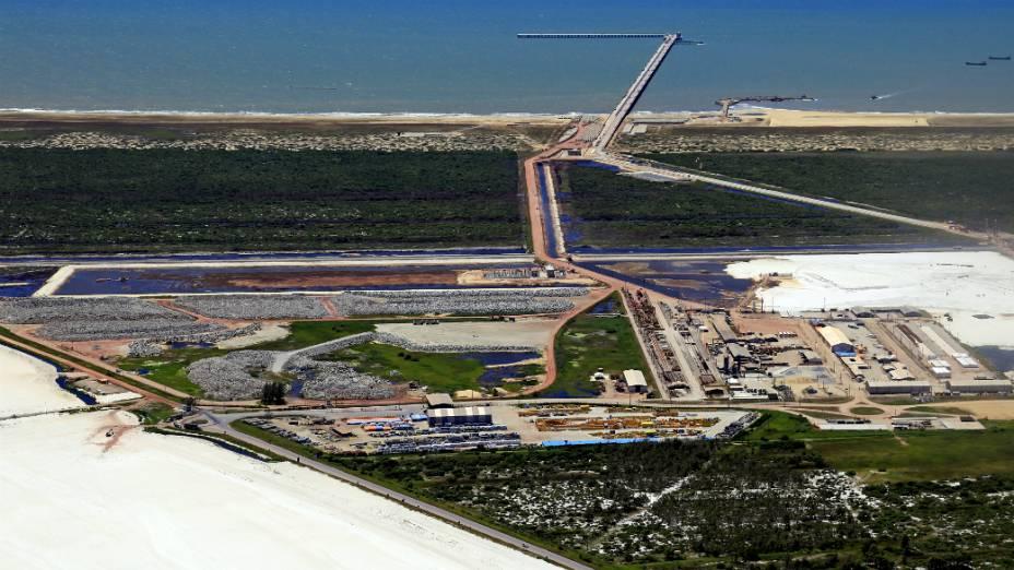 Superporto do Açu ocupará uma área de 90 km² e terá profundidade inicial de 21 metros