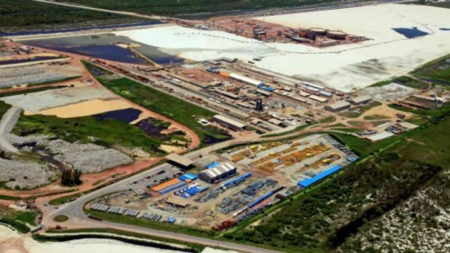 Superporto fica a 150 km da Bacia de Campos e será o responsável por 85% da produção de petróleo e gás do Brasil