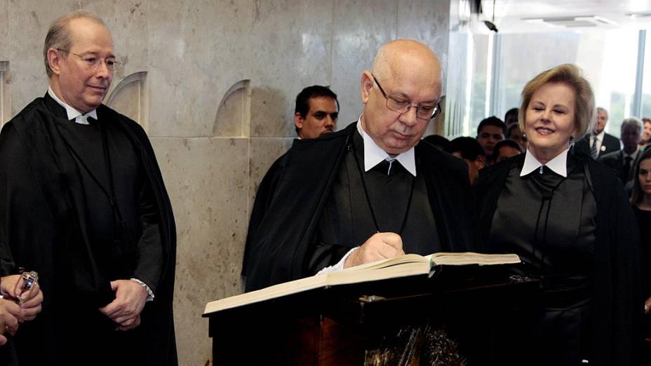 Ministro Teori Zavascki assina termo de posse no STF