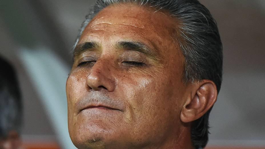 O técnico Tite do Corinthians durante durante a partida entre Corinthians BRA e Once Caldas COL válida pela Copa Libertadores da América 2015 no Estádio Arena Corinthians em São Paulo (SP), nesta quarta-feira (04)