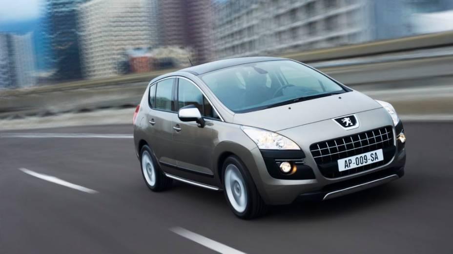 O cinza, como o deste Peugeot 3008, emparelha com o prata na terceira colocação das preferências (16%) na América do Norte