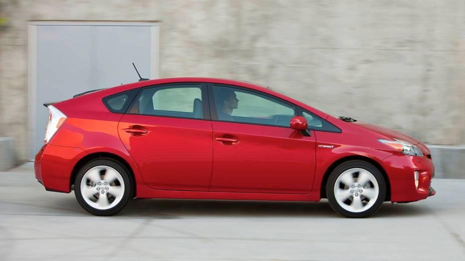 O vermelho do Toyota Prius é o terceiro colocado na na Europa, com 7% das preferências