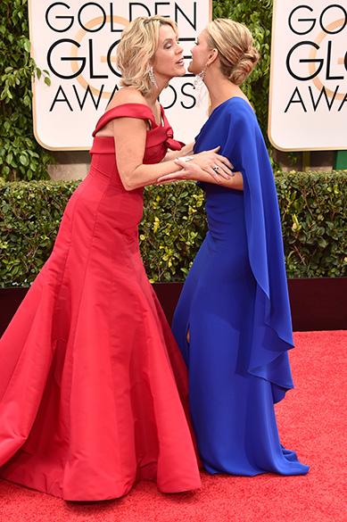 As atrizes Deborah Norville e Nancy ODell durante 72ª edição do Globo de Ouro, prêmio da associação de correspondentes de Hollywood que elege os melhores do cinema e da TV, em Los Angeles, nos EUA