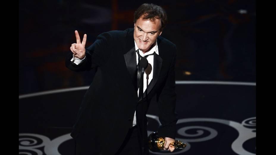 Quentin Tarantino empolgado com o Oscar de melhor roteiro original por Django Livre, filme que presta homenagem ao faroeste spaghetti
